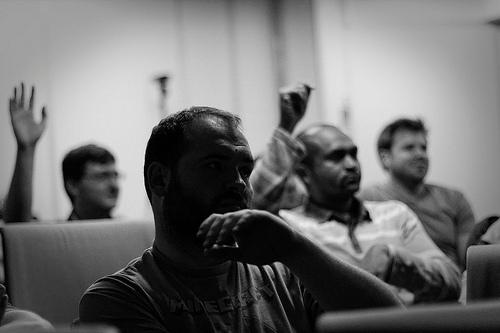 Beaucoup d'échanges entre les participants (orateurs, organisateurs et auditeurs) aux soirées webperf